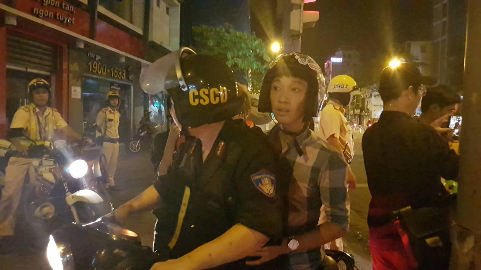 Gần 100 người đi bão ở trung tâm Sài Gòn bị CSGT xử lý sau trận Việt Nam – Malaysia - Ảnh 2.