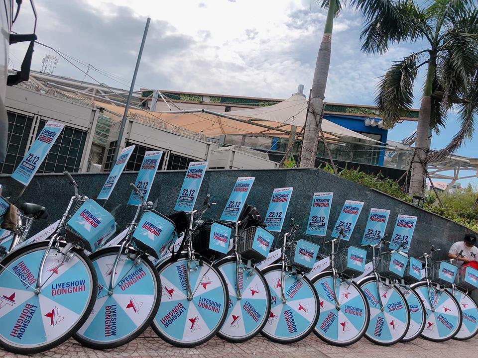 Fan Đông Nhi chịu chơi hết cỡ, phát động chiến dịch đạp xe - tặng vé khắp Sài Gòn quảng bá liveshow của thần tượng - Ảnh 4.