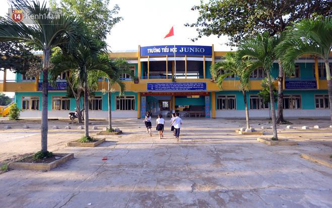 Thơ Nguyễn Thành Sáng - Page 50 Img2482-15442009188962146454009-1544200952873258017554