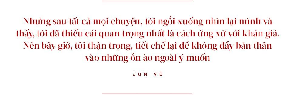 """Jun Vũ: """"Hay là nên làm một Hoa hậu ngoan hiền, nhưng như thế có phải tôi tự đánh mất luôn bản thân mình không?"""" - Ảnh 4."""