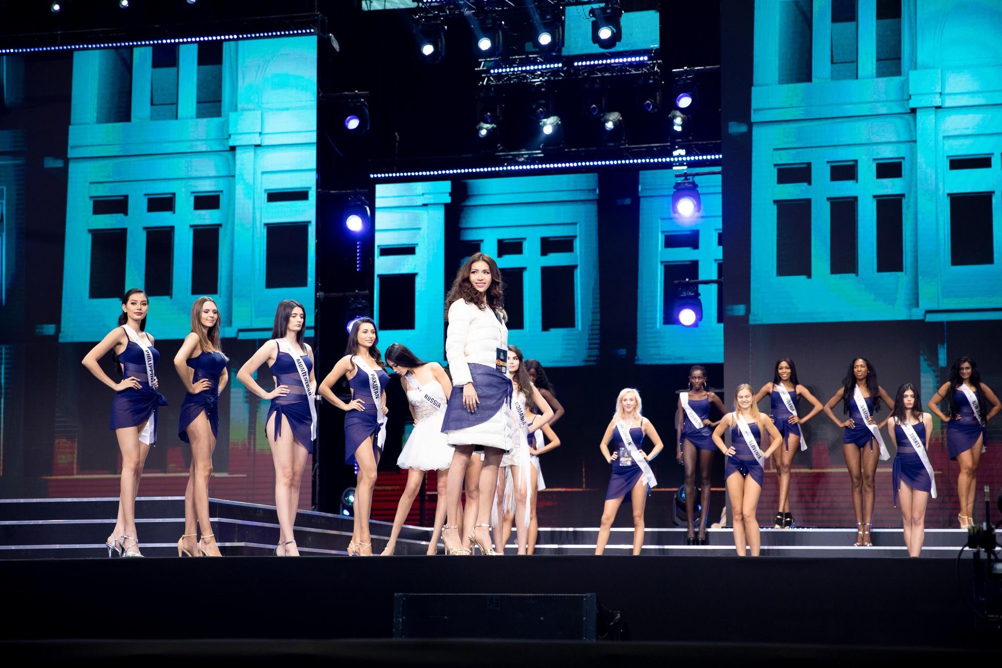 Ba Lan lạnh 0 độ, Minh Tú vẫn cháy hết mình trong buổi tổng duyệt trước chung kết Hoa hậu tối nay - Ảnh 3.