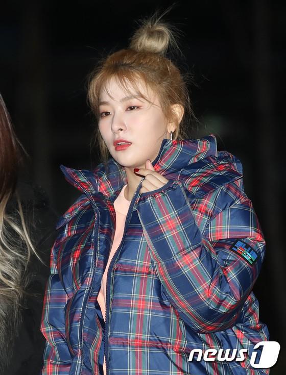 Dàn idol Kpop gây náo loạn tại Music Bank: Irene quá đẹp nhưng bị nữ idol làm lố lấn át, Wanna One, GOT7 đổ bộ - Ảnh 11.