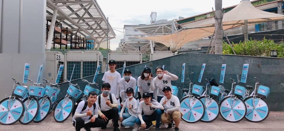 Fan Đông Nhi chịu chơi hết cỡ, phát động chiến dịch đạp xe - tặng vé khắp Sài Gòn quảng bá liveshow của thần tượng - Ảnh 2.