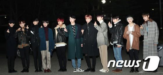 Dàn idol Kpop gây náo loạn tại Music Bank: Irene quá đẹp nhưng bị nữ idol làm lố lấn át, Wanna One, GOT7 đổ bộ - Ảnh 18.