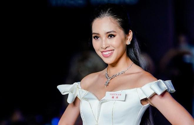 Trước giờ G chung kết Miss World 2018, nhìn lại hành trình càng chơi càng hay của mỹ nhân 10x Trần Tiểu Vy - Ảnh 6.