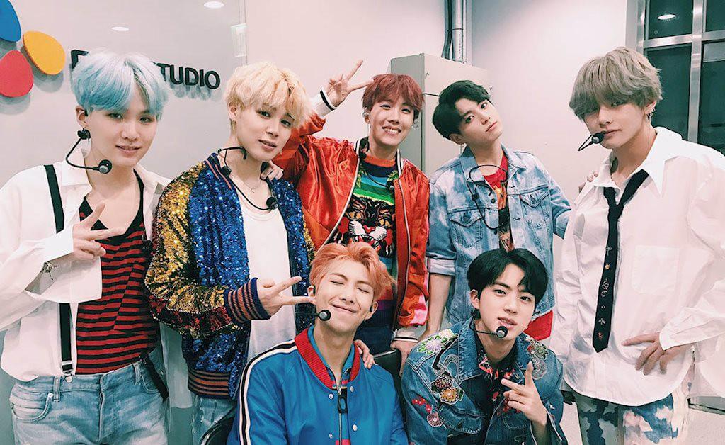 BTS vs Big Bang: Reaction của idol với sân khấu của BTS và