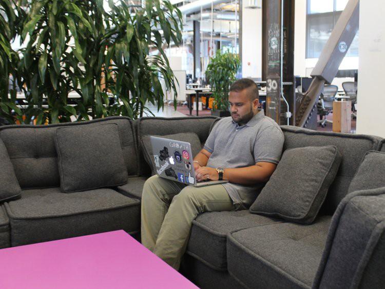 Đời sống như mơ của thực tập sinh Facebook: Tự chọn giờ làm việc, lương lên gần 200 triệu/tháng - Ảnh 18.