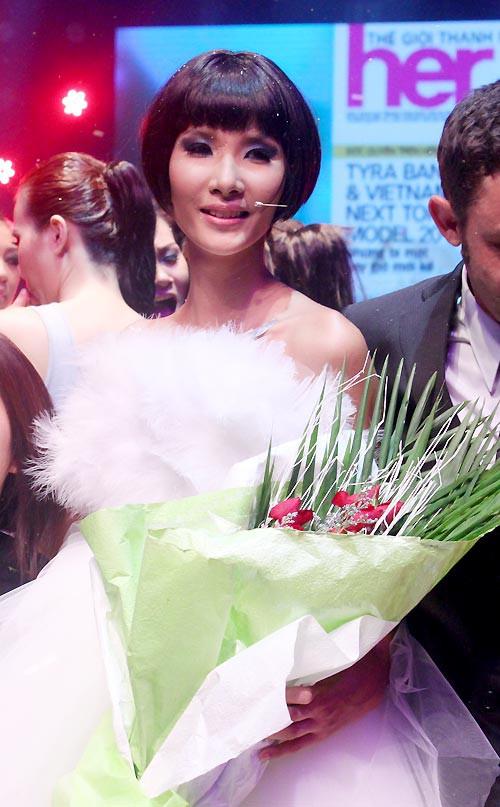 Bất ngờ chưa? Thí sinh rớt Next Top Model vượt mặt 2 Quán quân, đăng quang Hoa hậu Hoàn vũ VN! - Ảnh 4.