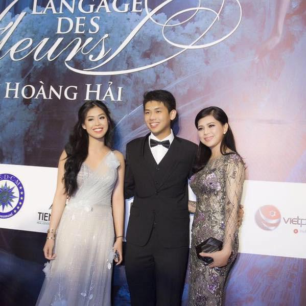 18 tuổi nhưng thiếu gia út nhà chồng Hà Tăng đã có cuộc sống vạn người mơ - Ảnh 7.