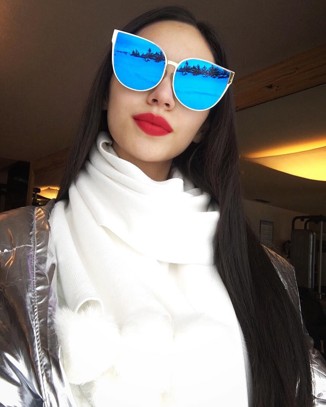 Lại thêm một mẫu kính Hàn dự là sắp hot ở Việt Nam vì Hà Hồ, Kỳ Duyên và rất nhiều fashionista thế giới đã đeo nó - Ảnh 18.