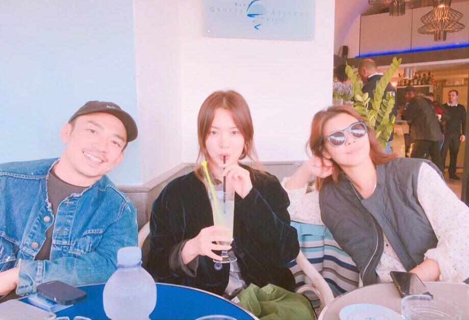 Hiếm lắm mới đăng story Instagram, Song Hye Kyo bỗng thân thiết bên người đàn ông lạ mặt - Ảnh 3.