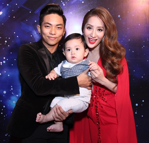 Đăng ảnh đón năm mới bên Phan Hiển, Khánh Thi hạnh phúc thông báo đang mang thai lần 2 - Ảnh 3.