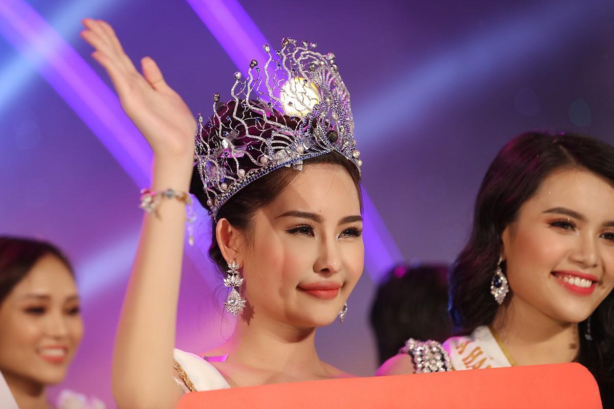 Lê Âu Ngân Anh bị cục NTBD đề nghị thu hồi vương miện Hoa hậu Đại dương 2017 - Ảnh 1.