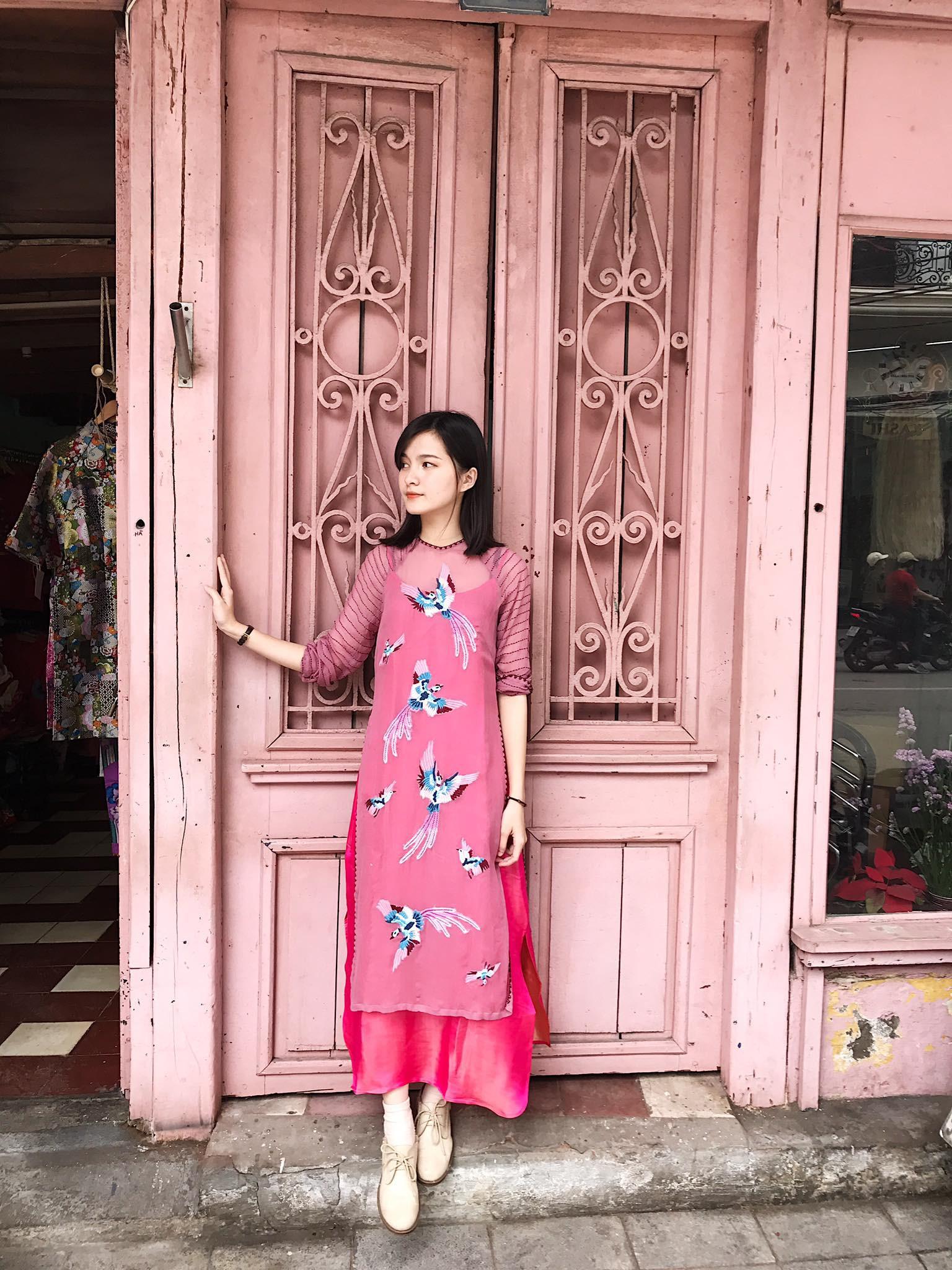 Năm 2017, nhờ phim Việt mà áo dài lên ngôi, được giới trẻ diện nhiều không thua kém các hot trend thời thượng - Ảnh 18.