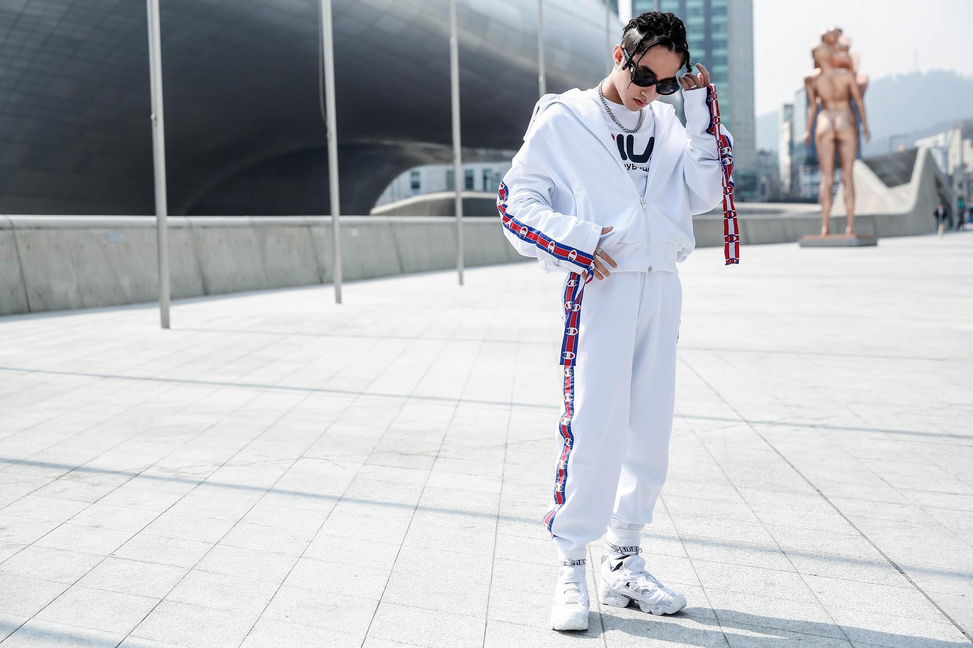 Top 9 xu hướng thời trang đường phố nổi bật nhất năm 2017 do tạp chí HYPEBEAST bình chọn - Ảnh 8.