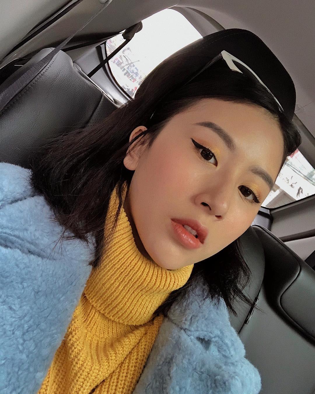 Vàng mù tạt - gam màu hot nhất trong những bức hình OOTD của giới trẻ châu Á đợt này - Ảnh 6.