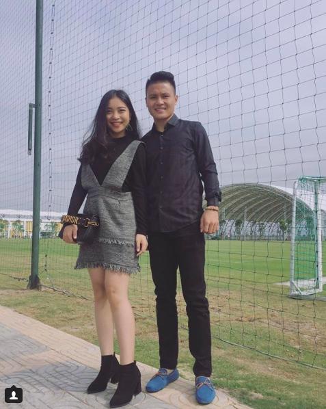 Loạt khoảnh khắc tình bể bình của Quang Hải và bạn gái xinh như hot girl - Ảnh 2.