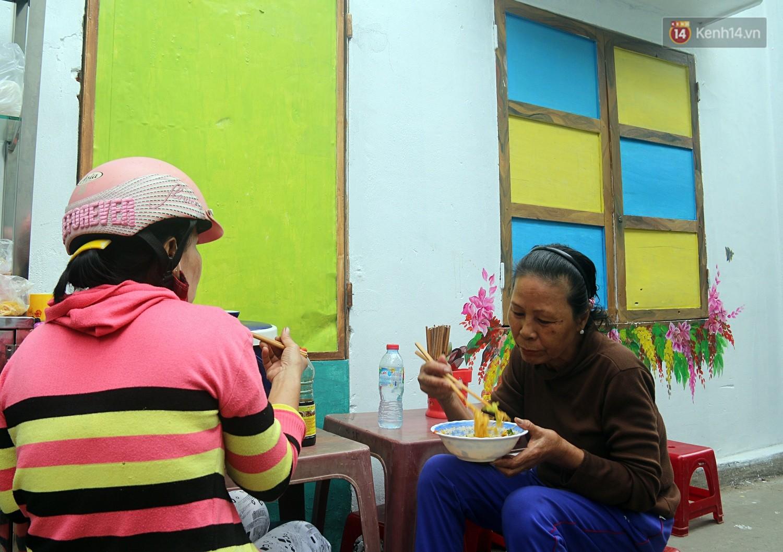 Chùm ảnh: Ngắm nhìn những bức tranh đầu tiên ở làng bích họa trong lòng thành phố Đà Nẵng - Ảnh 8.