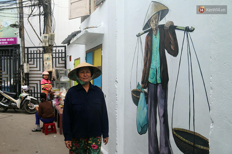 Chùm ảnh: Ngắm nhìn những bức tranh đầu tiên ở làng bích họa trong lòng thành phố Đà Nẵng - Ảnh 4.