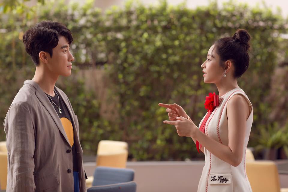 Vòng 1 đồ sộ hơn hẳn, nhan sắc của Chi Pu liệu có đánh bật được nữ thần Jung Chae Yeon trong một khung hình? - Ảnh 6.