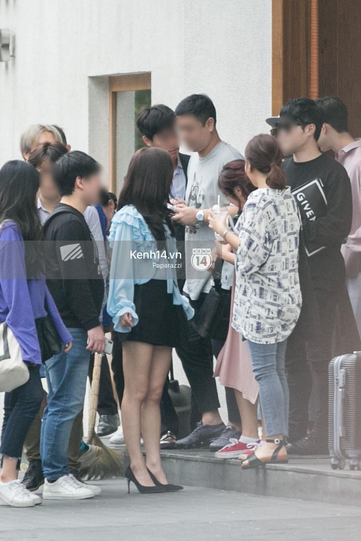 Chi Pu thân thiết, đi ăn tối cùng nữ thần Kpop Jung Chae Yeon và bạn trai tin đồn Jin Ju Hyung - Ảnh 2.