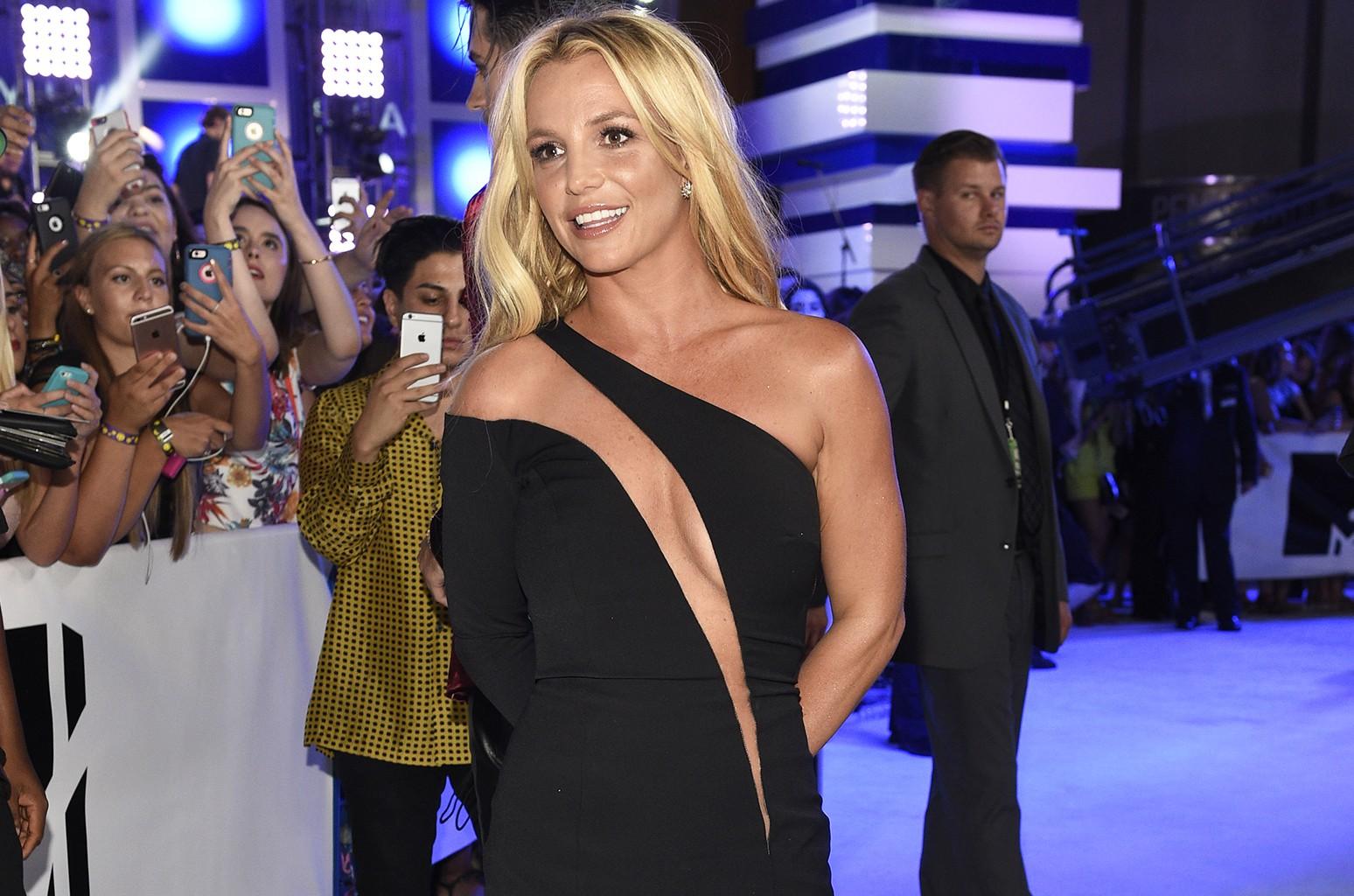 Britney Spears làm những gì mà tiêu hết 250 tỷ đồng chỉ trong 1 năm? - Ảnh 13.