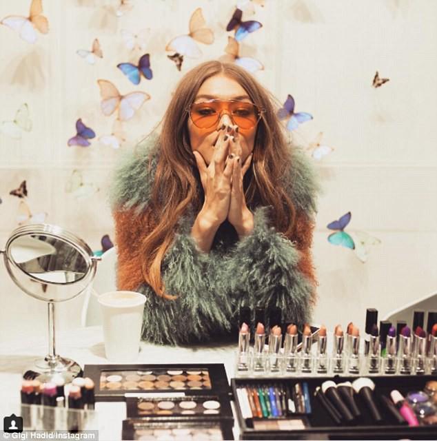 Suốt 1 năm qua, Gigi Hadid làm được gì để lọt top 5 người mẫu có thu nhập khủng nhất? - Ảnh 1.