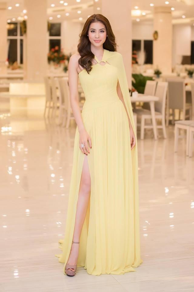 Phạm Hương và Dương Tú Anh cùng mặc chung một thiết kế, ai cũng đẹp nhưng thần thái mới là thứ quyết định tất cả - Ảnh 3.