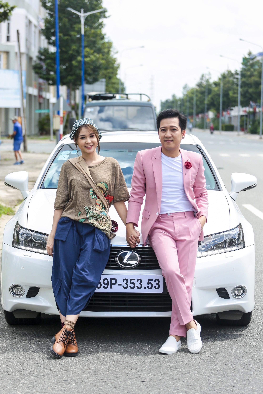 Vụ cầu hôn Nhã Phương chưa nguội, Trường Giang bị Sam cưỡng hôn trong phim chiếu Tết - Ảnh 5.