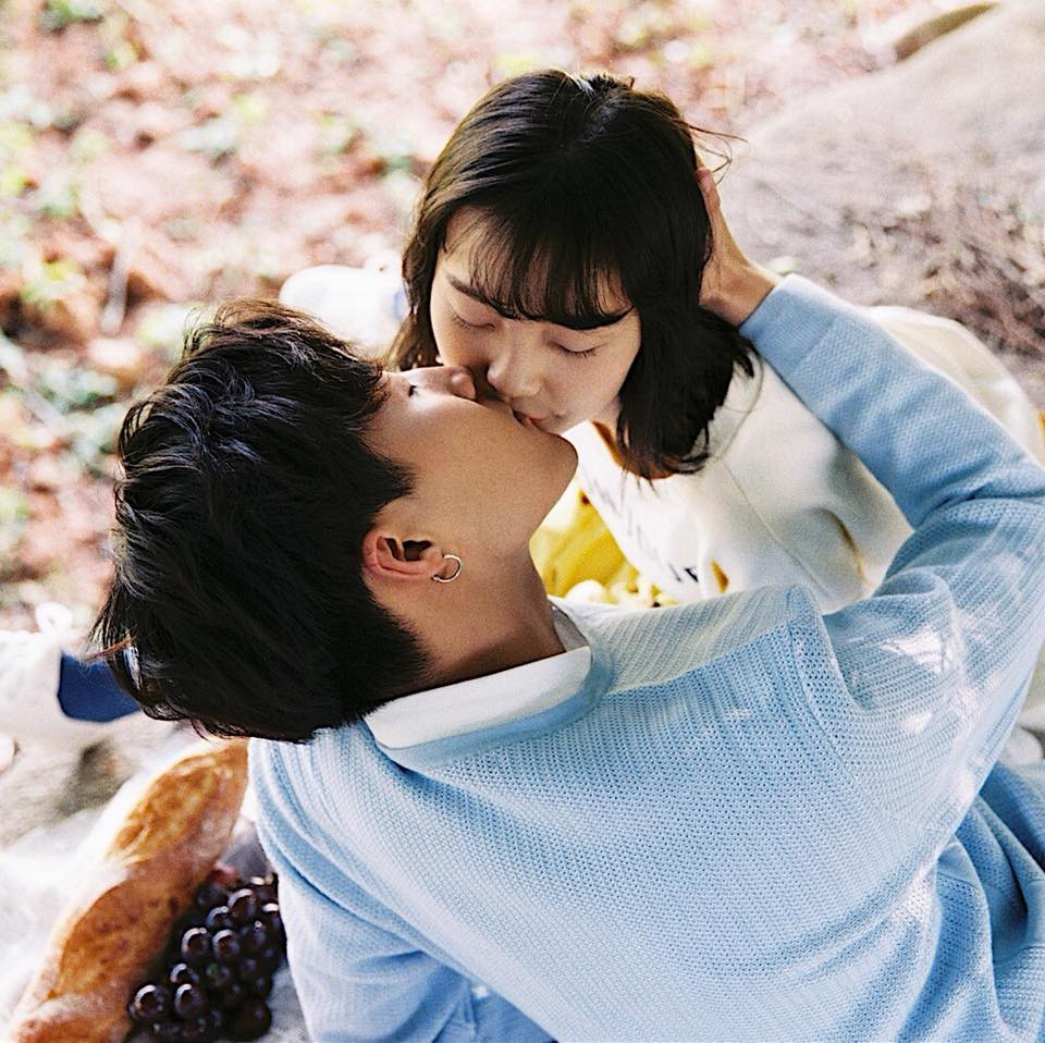 """Thêm một bộ ảnh """"couple"""" chụp bằng máy film tình đến từng khoảnh khắc"""