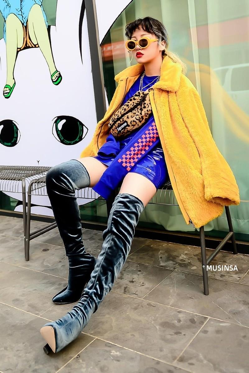 Bỏ qua váy vóc, tuần qua giới trẻ Hàn chỉ toàn diện đồ thùng thình nam tính nhưng dễ là bạn sẽ muốn bắt chước ngay vì quá cool - Ảnh 5.