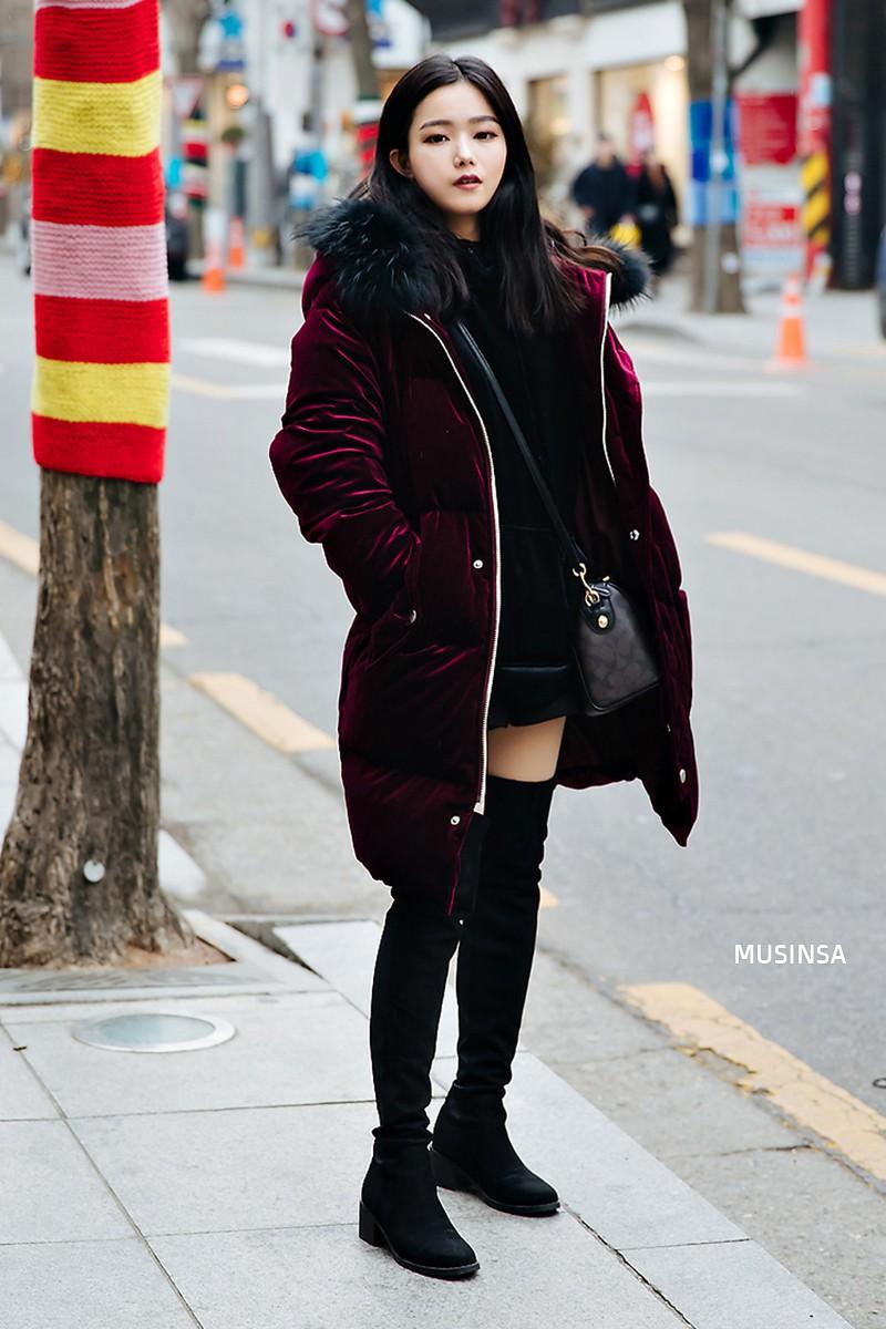 Bỏ qua váy vóc, tuần qua giới trẻ Hàn chỉ toàn diện đồ thùng thình nam tính nhưng dễ là bạn sẽ muốn bắt chước ngay vì quá cool - Ảnh 10.