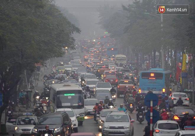 Hà Nội: Tắc nghẽn kinh hoàng làm tê liệt nhiều tuyến đường ngày cận Tết 5