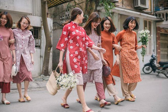 Chưa đầy 1 tuần nữa đã đến Tết, hội mê ăn diện còn chờ gì mà không sắm ngay 4 mẫu trang phục này - Ảnh 2.