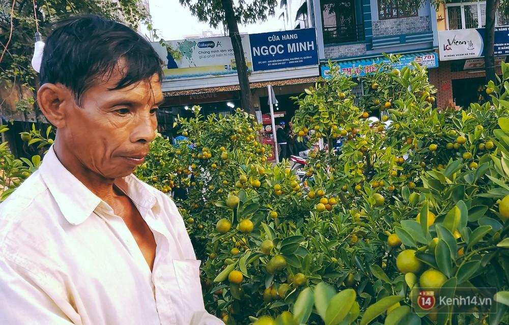 Ông Vẹn chia sẻ về chuyện bị lỗ vốn do người dân thường tập trung mua hoa vào 30 Tết.