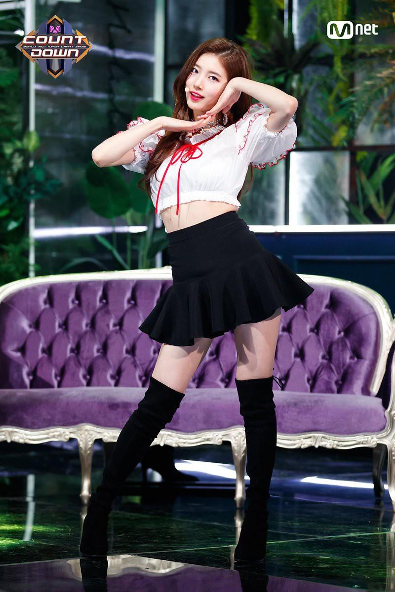 Bất chấp trời lạnh, loạt idol Hàn vẫn sexy hết tầm trên các sân khấu cuối năm - Ảnh 4.