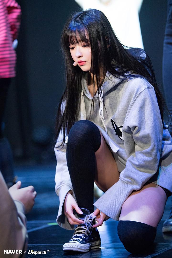 Bất chấp trời lạnh, loạt idol Hàn vẫn sexy hết tầm trên các sân khấu cuối năm - Ảnh 8.