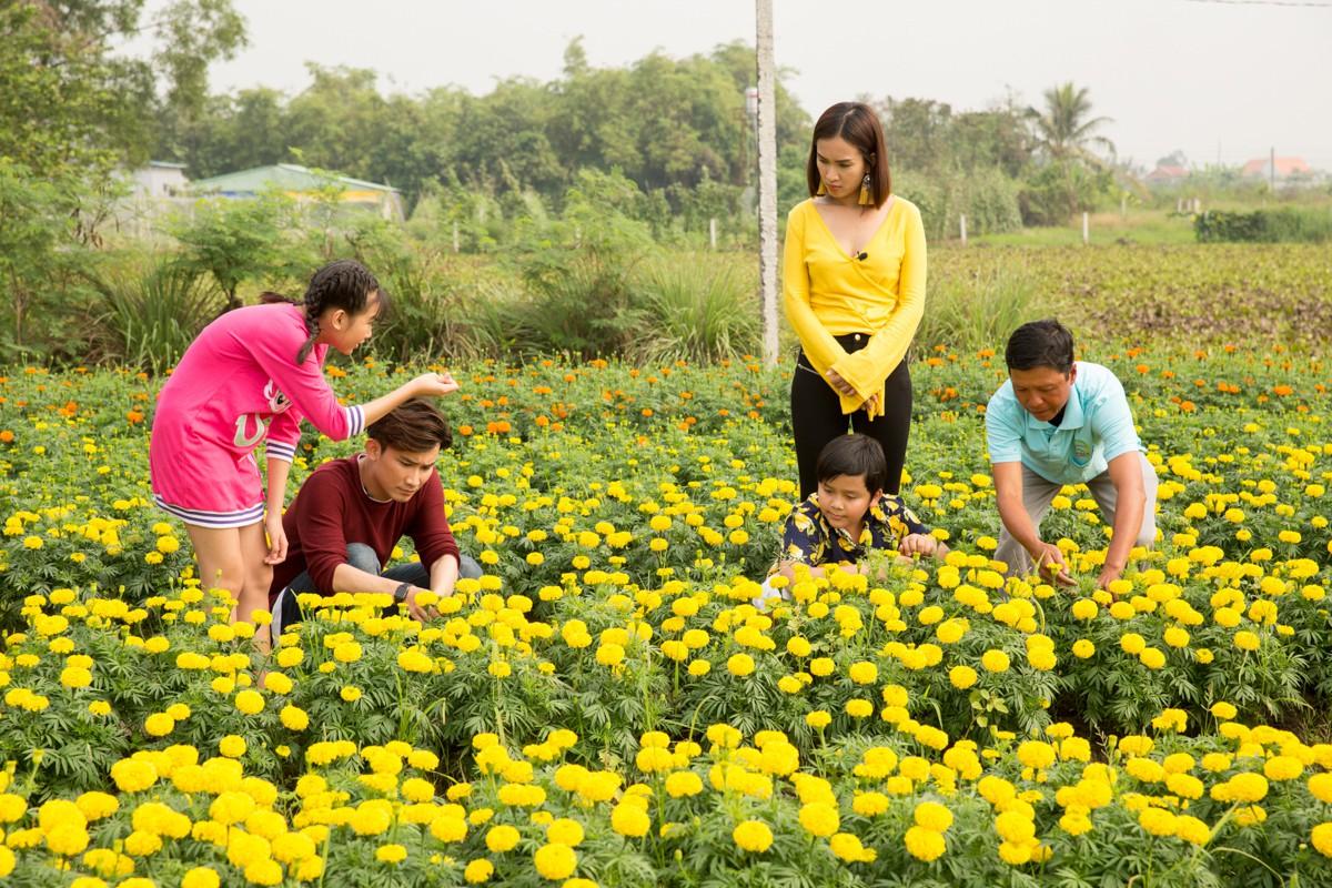 Việt Nam tươi đẹp: Ái Phương, Chí Thiện cùng bé Bảo An, Thụy Bình trải nghiệm Tết phương Nam - Ảnh 7.