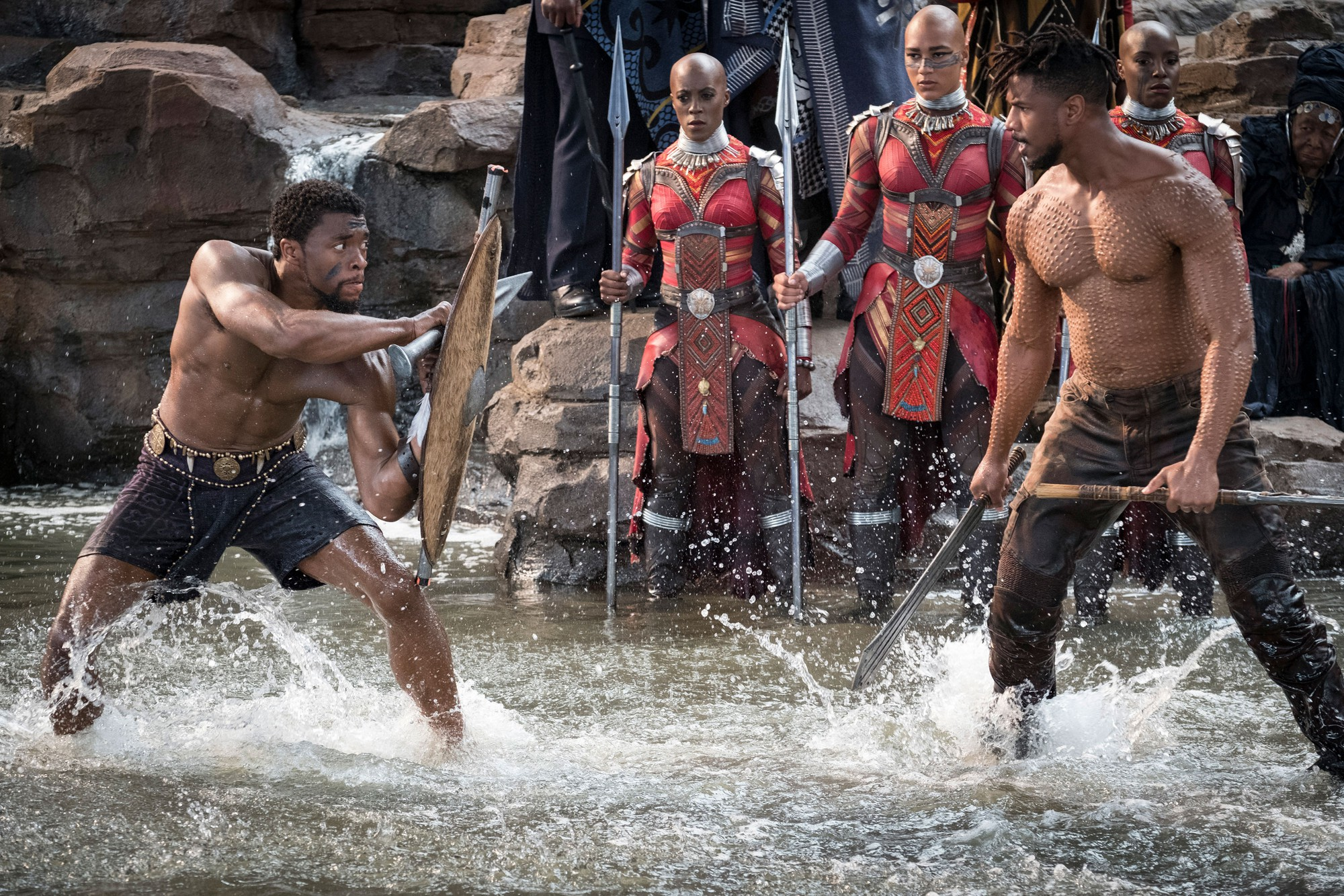 Black Panther: Tác phẩm siêu anh hùng Marvel tuyệt vời nhất từ trước đến nay! - Ảnh 1.
