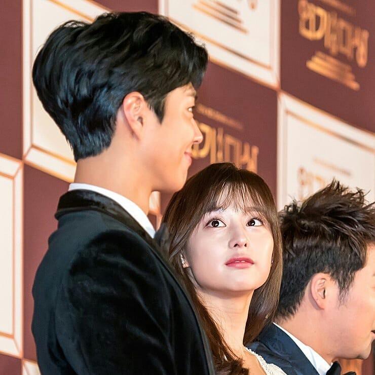 Nam tài tử may mắn nhất châu Á: Từ nữ thần Hậu duệ mặt trời, Yoona cho đến loạt mỹ nhân đều nhìn ngẩn ngơ - Ảnh 1.