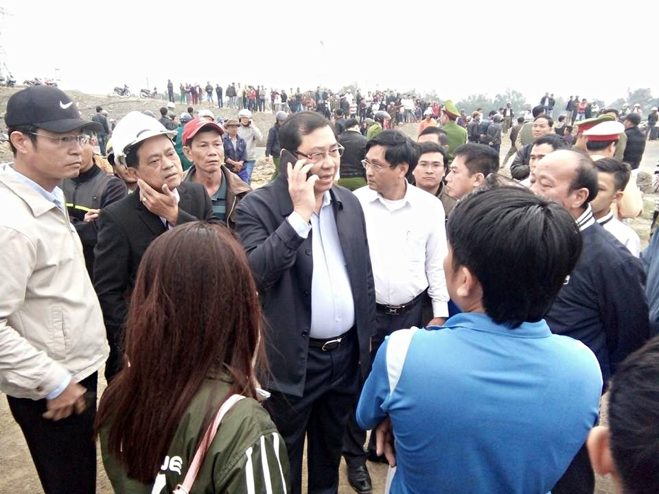 Chùm ảnh: Hiện trường vụ lật xe kinh hoàng ngày giáp Tết khiến 2 người chết, 11 người bị thương ở Đà Nẵng - Ảnh 13.
