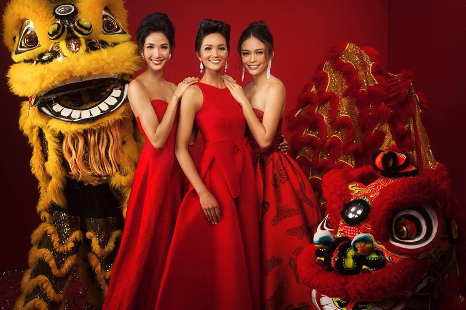 Top 3 Hoa hậu Hoàn vũ Việt Nam 2017 diện trang phục đỏ rực, khoe nhan sắc rạng rỡ trước thềm năm mới - Ảnh 4.
