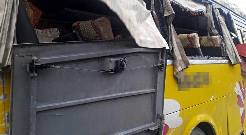 Chùm ảnh: Hiện trường vụ lật xe kinh hoàng ngày giáp Tết khiến 2 người chết, 11 người bị thương ở Đà Nẵng - Ảnh 11.