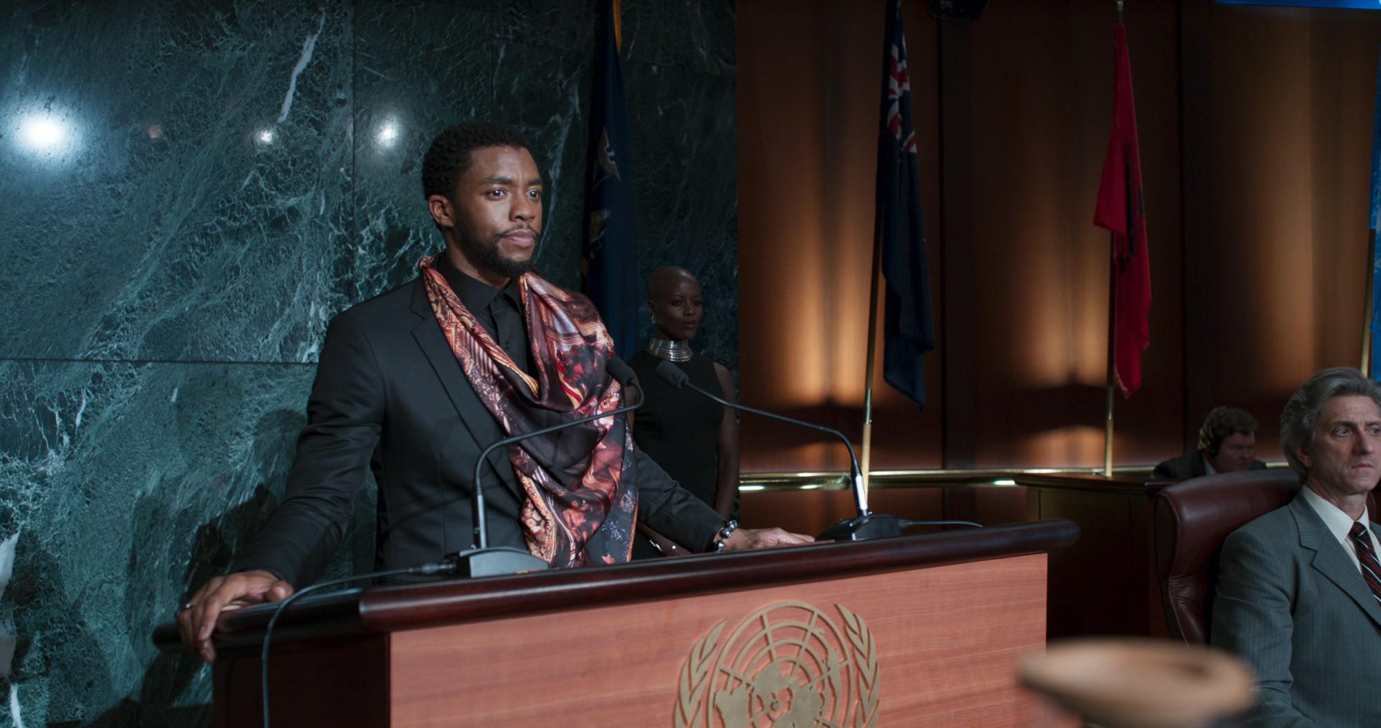 Black Panther: Tác phẩm siêu anh hùng Marvel tuyệt vời nhất từ trước đến nay! - Ảnh 4.