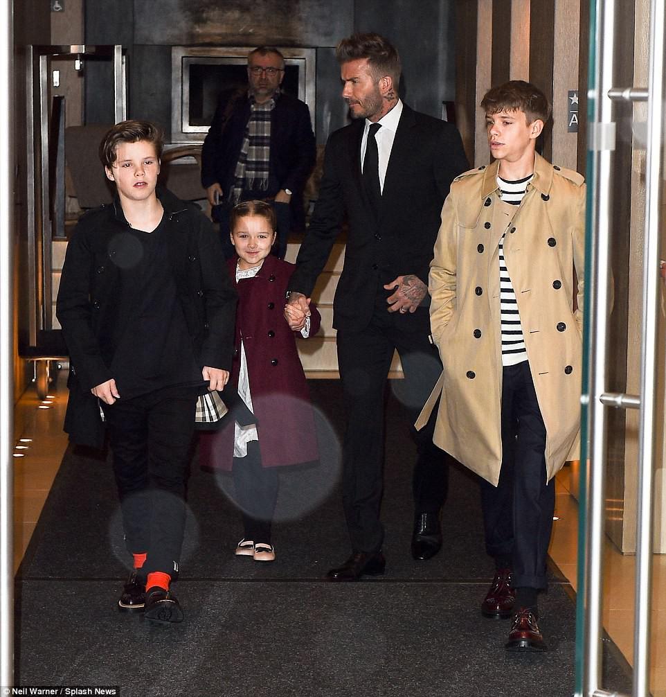 Càng lớn lại càng xinh đẹp, thảo nào Harper Beckham luôn được bố yêu chiều nhất nhà - Ảnh 3.