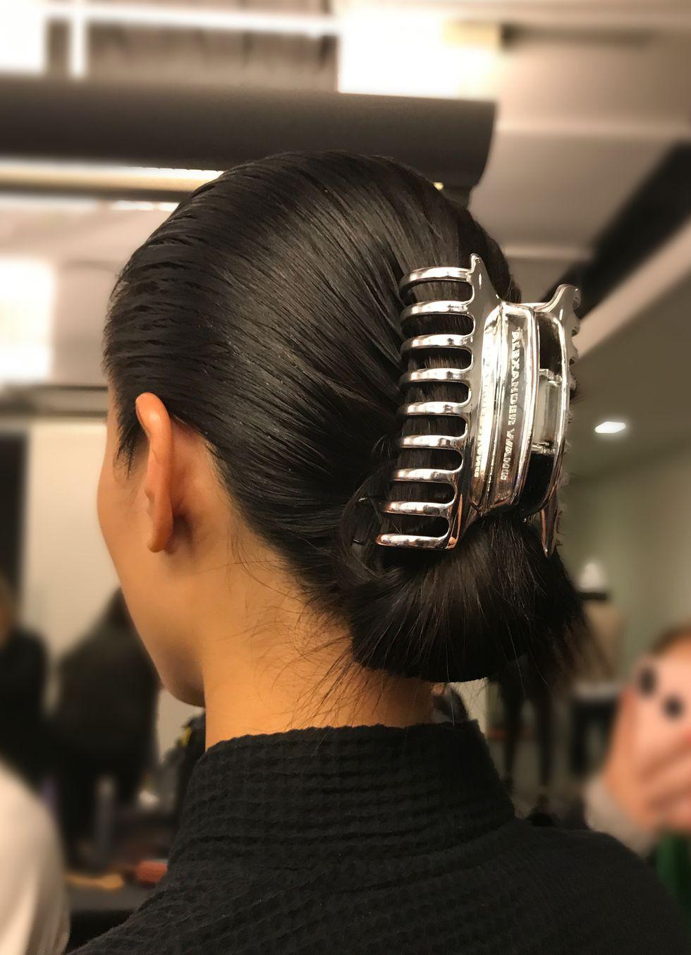 Kẹp tóc từ đời ơ kìa giờ lại tung hoành tại show Alexander Wang trong khuôn khổ NYFW - Ảnh 4.