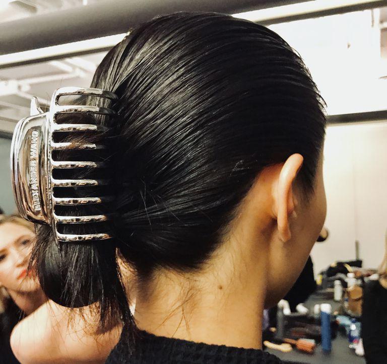Kẹp tóc từ đời ơ kìa giờ lại tung hoành tại show Alexander Wang trong khuôn khổ NYFW - Ảnh 3.