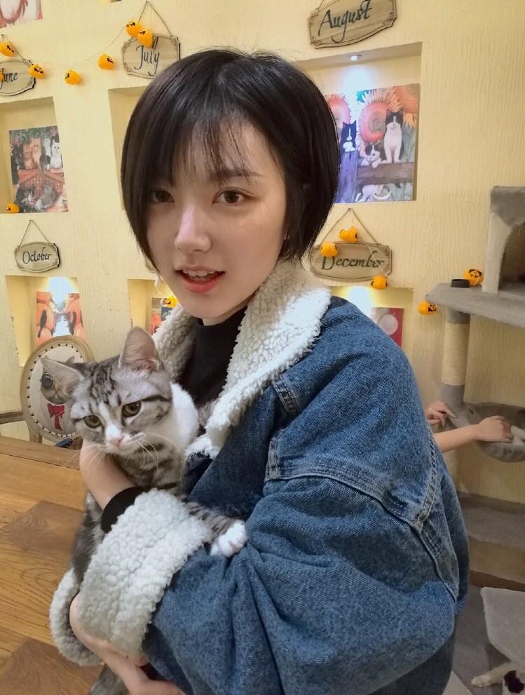 Cô bạn Trung Quốc siêu xinh chứng minh con gái nên để tóc ngắn ít nhất 1 lần! - Ảnh 4.