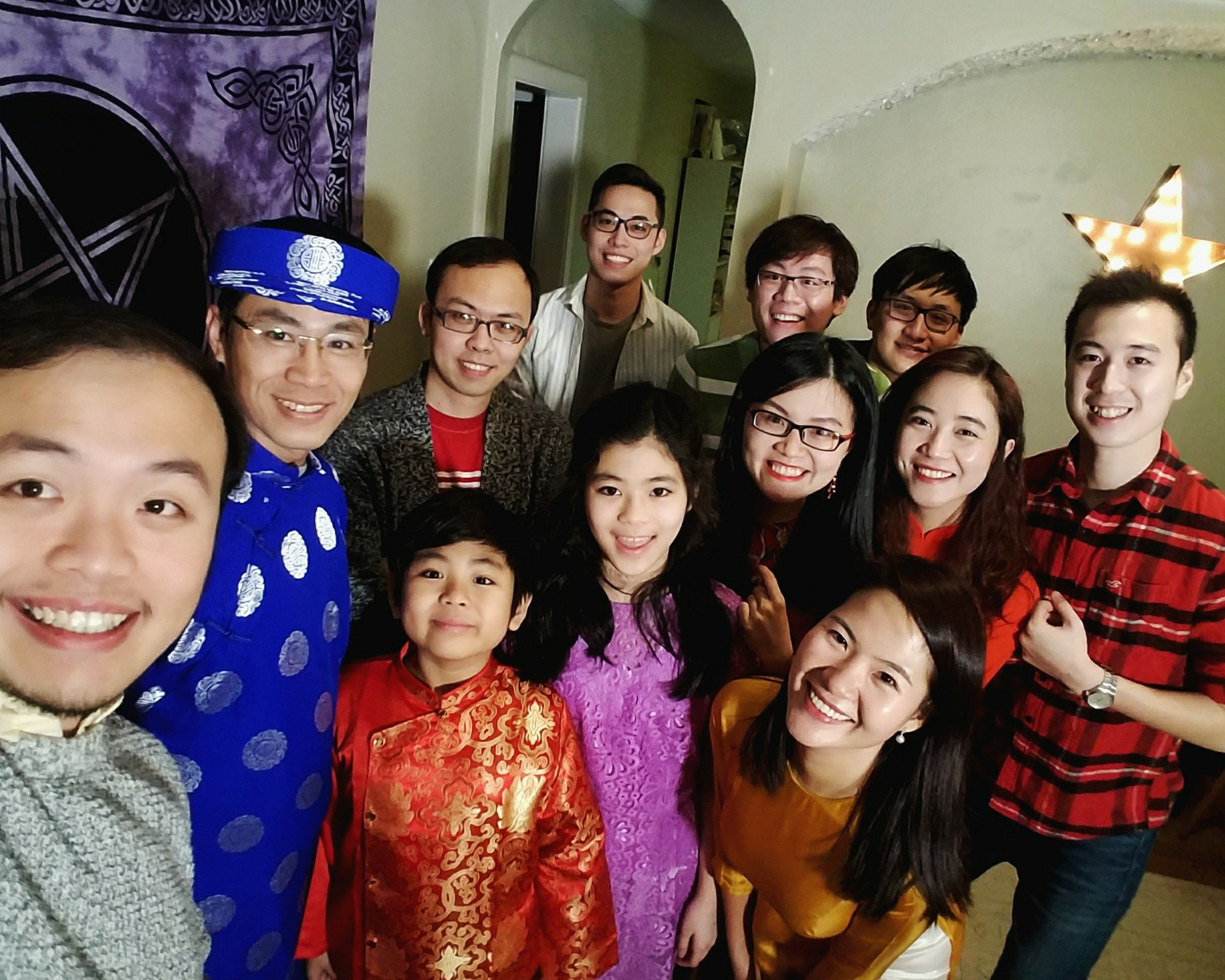 Một bức ảnh đón Tết xa quê quy tụ quá nhiều bạn trẻ Việt xuất sắc! - Ảnh 6.