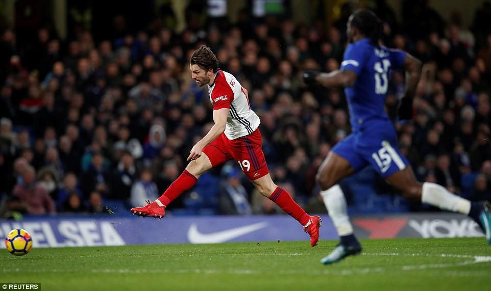 Hazard lập cú đúp, Chelsea trở lại Top 4 - Ảnh 6.